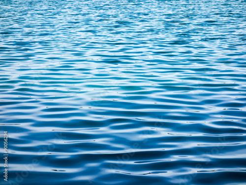 Valokuva  Blaue Wasseroberfläche