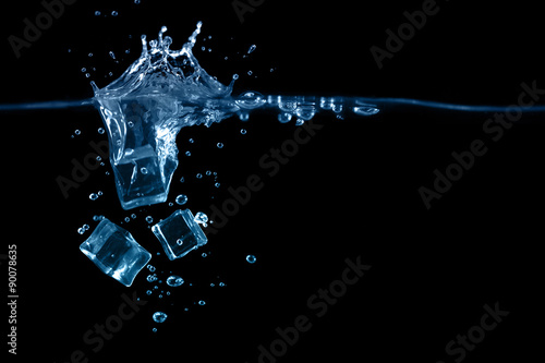 Photo  falling ice cubes