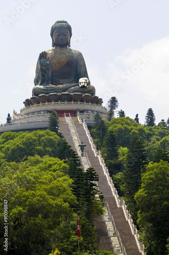 Montage in der Fensternische Hongkong Buddha statue