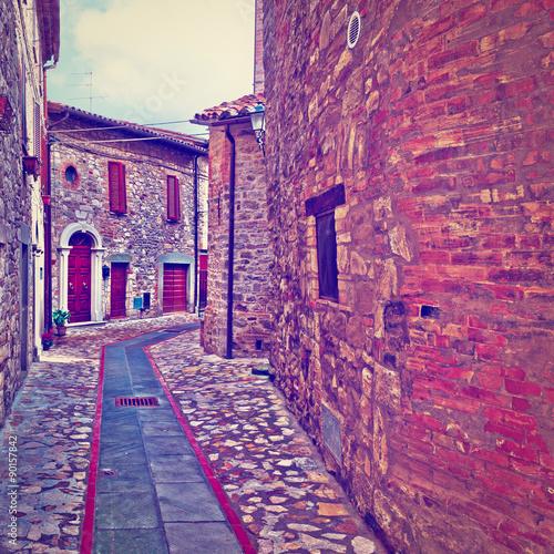 Fototapeta Ulica we włoskim mieście Doglio do sypialni