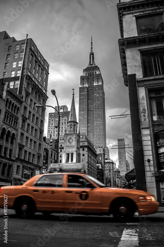 Deurstickers New York TAXI New York City street in the Evening