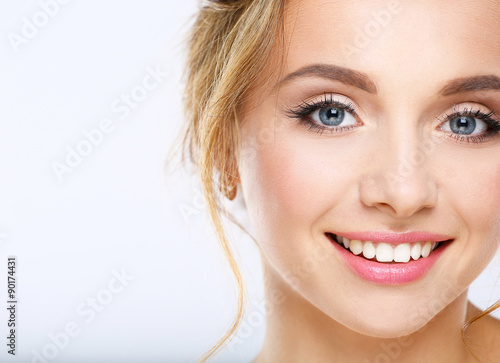 Fotografía  Portrait of beautiful woman on white background