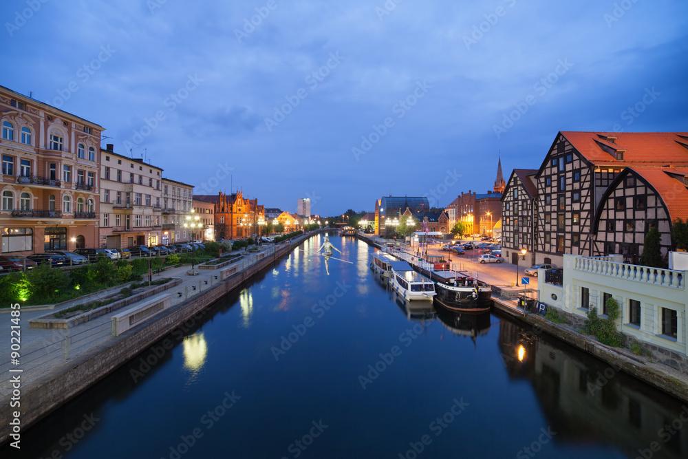 Fototapety, obrazy: Bydgoszcz Night Cityscape