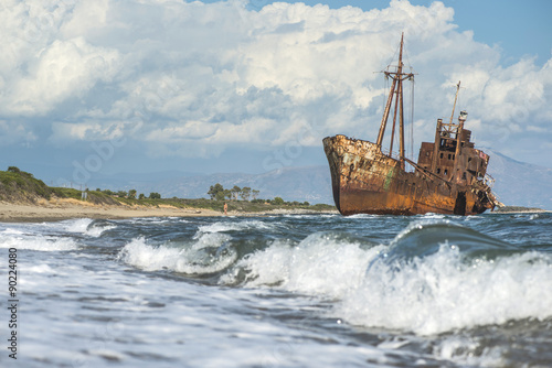 Foto op Canvas Schipbreuk Old rustic big ship