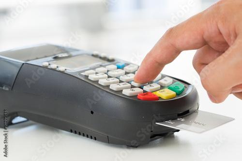 Fotografía  Pago con tarjeta de crédito, comprar y vender productos y servicios