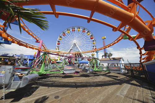 Photo Stands Los Angeles Santa Monica - August 6: Image of the Santa Monica Pier and Pacific Park August 6, 2015 in Santa Monica CA