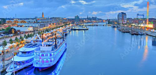 Montage in der Fensternische Port Hafen Kiel