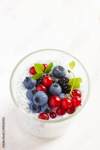 Obraz na plátně  chia seeds pudding with  fresh berries