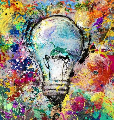 kreatywny-i-kolorowy-pomysl-zarowka-wsrod-plam
