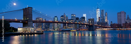 Stampe  Waterfront and Skyline of New York City at Night