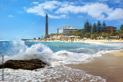 Montage in der Fensternische Kanarische Inseln Beach and lighthouse of Maspalomas. Gran Canaria, Canary Islands