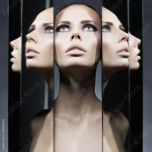Canvas Print Woman and mirrors
