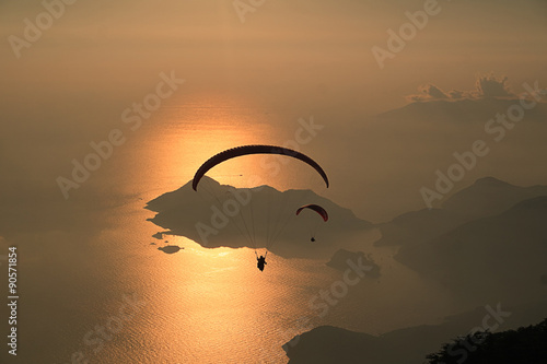 Poster Zonsondergang Sunset and Paragliding