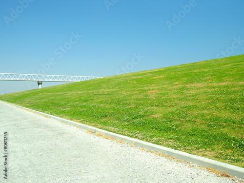 Fotografia 初夏の土手風景