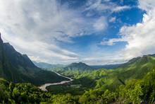 Regenwald In Laos Am Mekong / Nong Khiaw