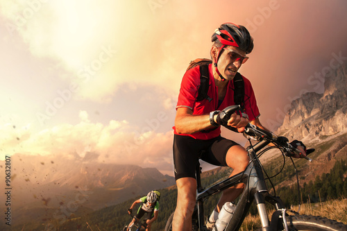 Plakat Cyclists drive fall in the Dolomites and fight