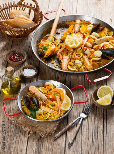 Poster  Spanish Paella with Shrimp and Clams