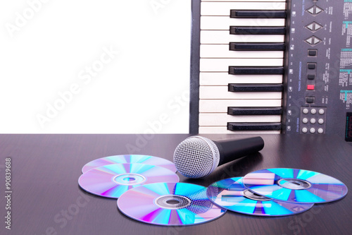 Photo Microphone,cd discs and electronic keyboard