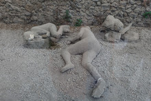 Man Dead In Pompeii