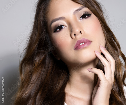 Fototapety, obrazy: beautiful young asian woman with flawless skin and perfect make-up