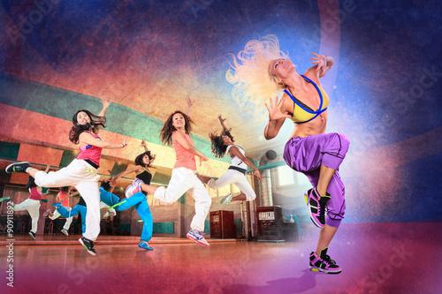 Küchenrückwand aus Glas mit Foto Tanzschule aerobics girl