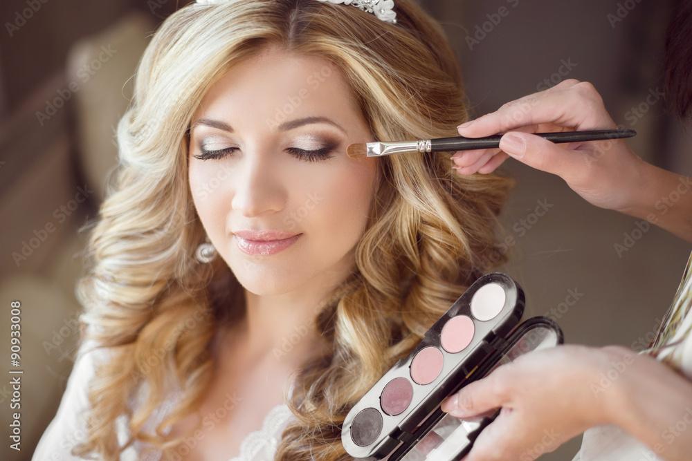Schone Braut Madchen Mit Hochzeit Make Up Und Frisur Stylist Poster