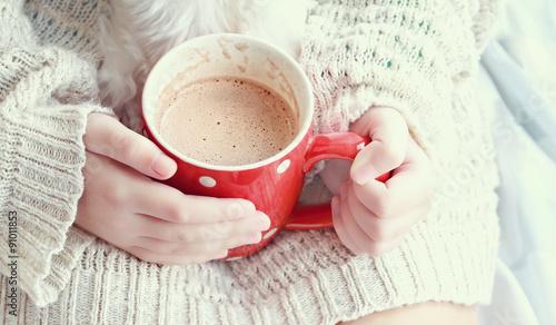 Papiers peints Chocolat Hands Holding Hot Cocoa