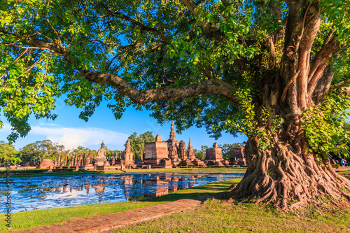 Sukhothai historical park in the old town of Thailand Fotobehang