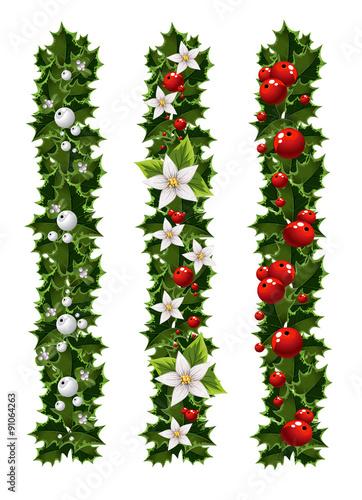 Fotografia  Green Christmas garlands of holly and mistletoe