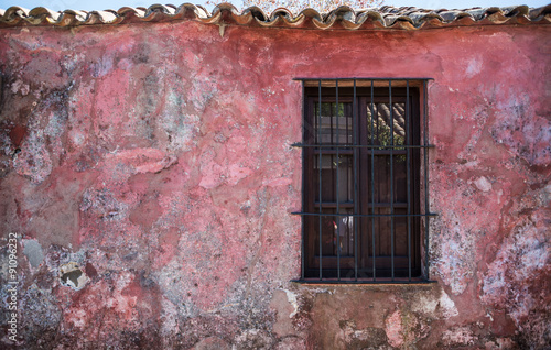 Foto  Old Rustic Window, Traveling Colonia Uruguay. South America