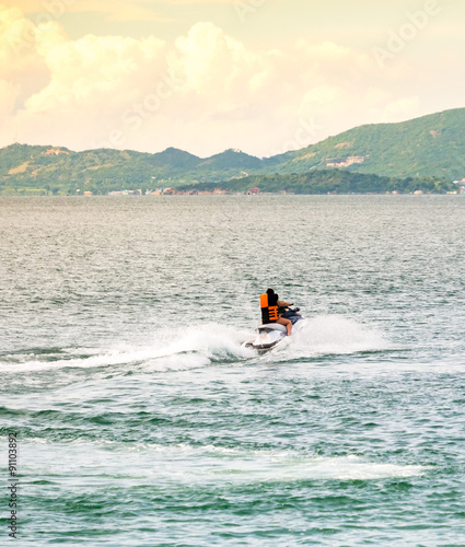 Keuken foto achterwand Water Motor sporten People riding jet ski in the sea