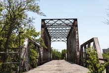 Alte Bahnbrücke Aus Metall