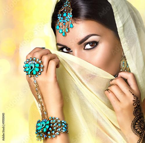 Obraz w ramie Beautiful arabic woman portrait. Arabian girl with menhdi tattoo