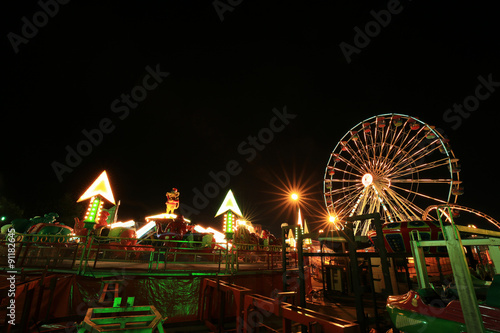 Papiers peints Attraction parc Amusement park at night