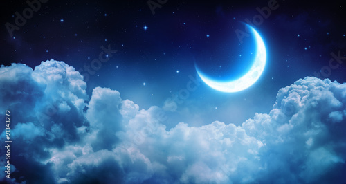 Foto op Plexiglas Nacht Romantic Moon In Starry Night Over Clouds