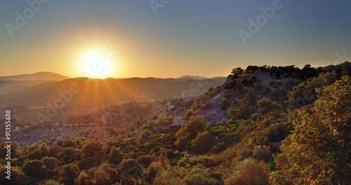 Foto auf Gartenposter Hugel Sunset in mountains.