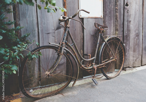 Foto op Plexiglas Fiets Old rusted bicycle