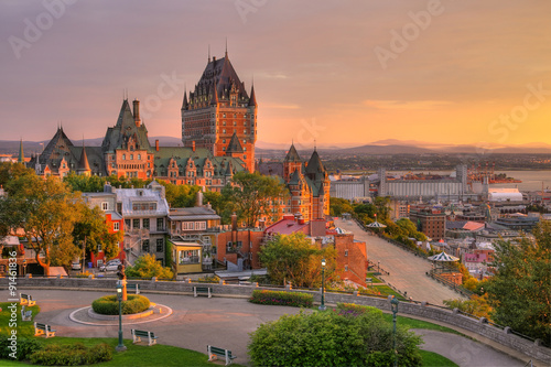 Fototapeta Frontenac Castle in Old Quebec City in the beautiful sunrise light