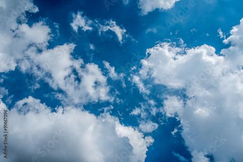 w-chmurach
