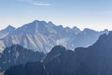 Górskie szczyty rano - 91486800