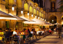 Restaurants At Placa Reial In ...