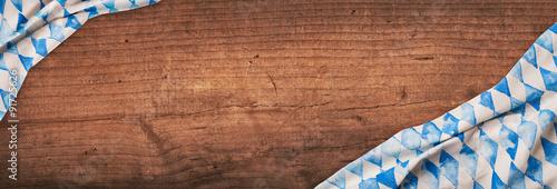 Fotografie, Obraz  Oktoberfest - Pozadí - Flagge auf Holz, Dunkel
