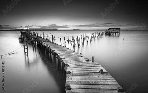 Tuinposter Landschap A peaceful ancient pier
