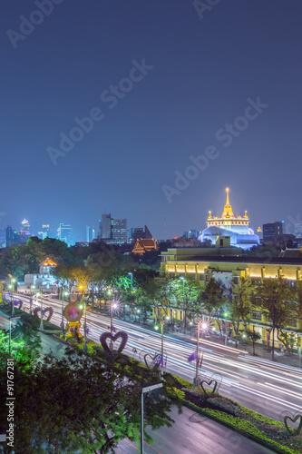 Staande foto Kiev Wat Saket Ratcha Wora Maha Wihan and Ratchadamnoen Klang Road at night times, Bangkok