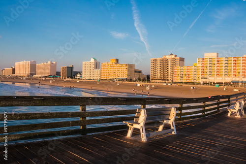 Fotografie, Obraz  Virginia Beach boardwalk as seen from the oceanfront fishing pier