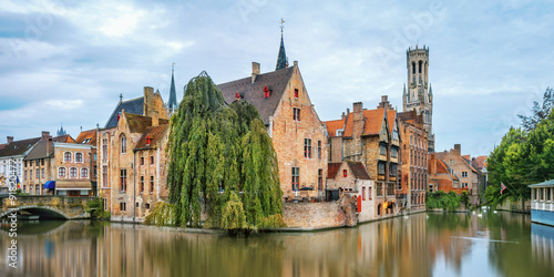Tuinposter Brugge Brugge canals at sunrise