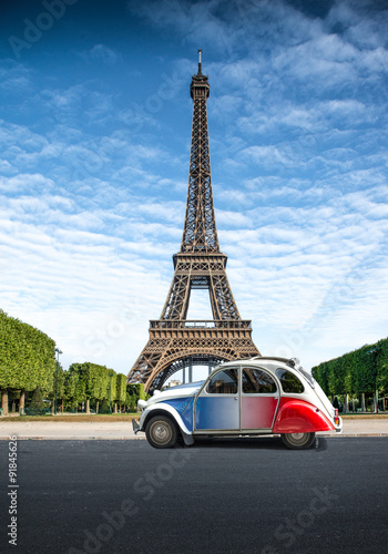 Tour in auto a Parigi - fototapety na wymiar