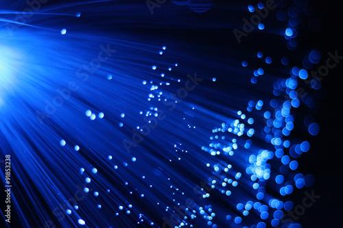 fototapeta na szkło Verschwommenes blaues Glasfaserbündel 6