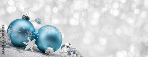 Blue Christmas balls with decoration on shiny background Canvas-taulu