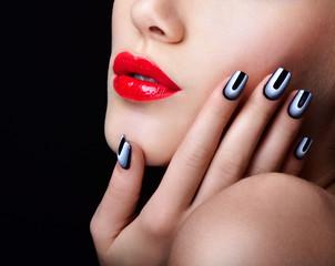 Fototapeta Do salonu kosmetycznego Beauty Woman Portrait. Professional Makeup. Red Lipstick. Beauti
